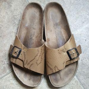 Birki's by Birkenstock women's slides sandals 10M